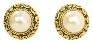 Chanel Chanel Vintage '90s Gold & Pearl Disc Clip On Earrings