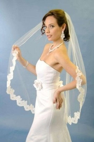 Preload https://item2.tradesy.com/images/ansonia-bridal-white-medium-with-lace-edge-veil-155641-0-0.jpg?width=440&height=440