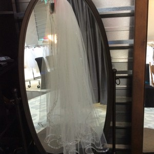 Two Layer Warm White Veil With Rhinestones