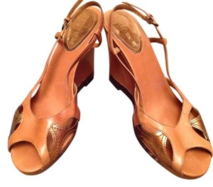 Enzo Angiolini Leather Wedge Sandal Natural/Gold Sandals