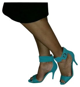 Qupid Seafoam Green Pumps