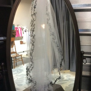 White Single Layer Black Trim Veil