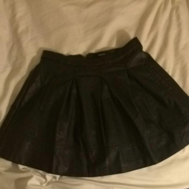 Preload https://item3.tradesy.com/images/forever-21-black-size-2-xs-26-1556802-0-0.jpg?width=400&height=650