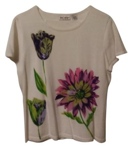 Kim Rogers Top White w/Flowers