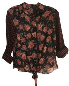 Collective Concepts Plaid Floral Mixed Media Top Black, Red, Green
