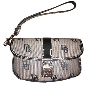 Dooney & Bourke Goldtone Hardware Lock Logo Clasp Logo Print Weaved Canvas Wristlet