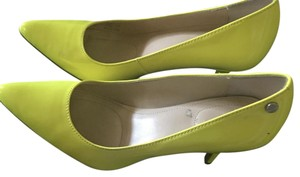 Calvin Klein Yellow neon Pumps