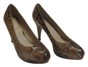 Dress Barn Size 9.50 M Reptile Design Very Good Condition Light and Dark Brown Pumps