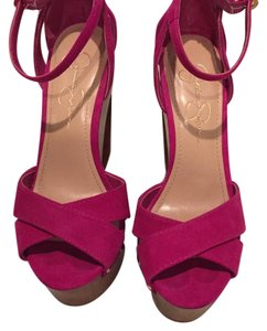 Jessica Simpson Fuschia Wedges