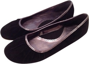 Old Navy Black with Pewter Trim Flats