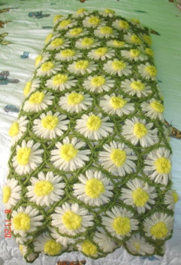 Handmade My Daisy Garden Knit Throw