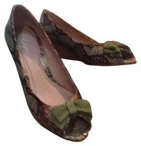 Lillybee Green Wedges