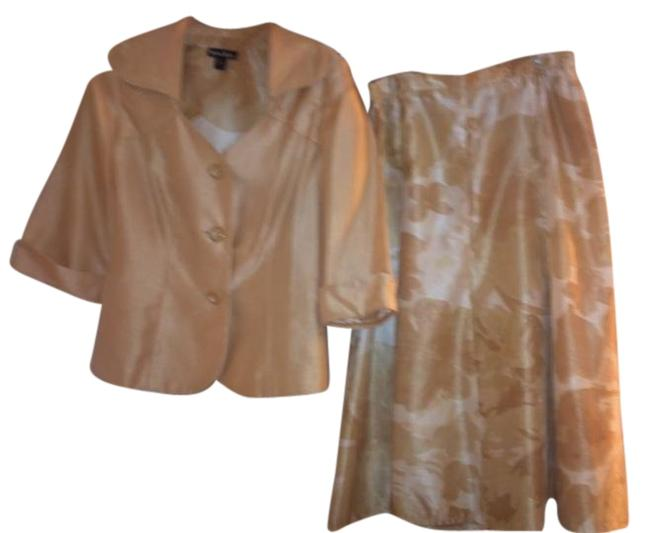 Item - White/Gold Spring To Summer Skirt Suit Size 10 (M)