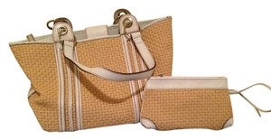 Maxx New York Wristlet Color Leather Raffia Style Tote in White