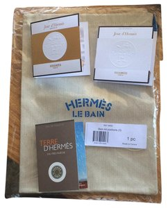 Hermès Three Fragrance Sample Pack in the Hermes De Bain Pouch