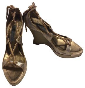 Alberta Ferretti Gold Wedges