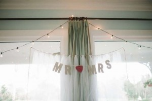 Mr & Mrs Sign And Backdrop