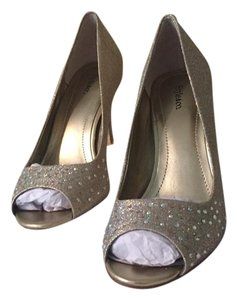 Style & Co Bling Bling Heels Aurora Borelis Crystal Gold Pumps