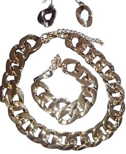 Traci Lynn Heavy Metal Necklace Set