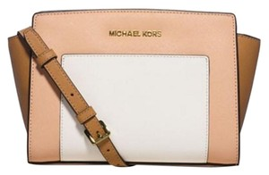 Michael Kors Chic Trendy Fashionable Brown Messenger Bag