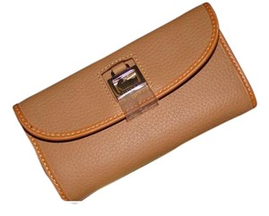 Dooney & Bourke Sand Dillen Continental Clutch Wallet