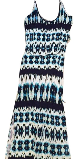 Preload https://item1.tradesy.com/images/felicity-and-coco-navywhite-long-casual-maxi-dress-size-4-s-15593575-0-1.jpg?width=400&height=650