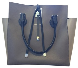 Michael Kors Tote in Black & Taupe