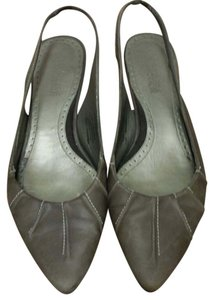 Kenneth Cole Reaction taupe Flats