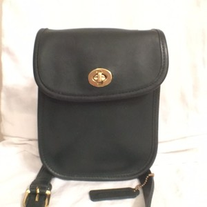 Coach Vintage Leather Messenger Cross Body Bag