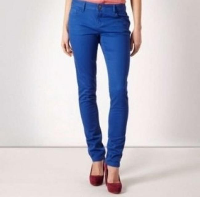 Preload https://img-static.tradesy.com/item/155999/hollister-royal-blue-capricropped-pants-size-2-xs-26-0-0-650-650.jpg