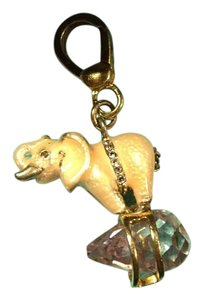 Juicy Couture BRAND NEW! JUICY COUTURE SUPER RARE 2004 PINK ELEPHANT HOLDING A PURPLE AMATHIST CHARM!