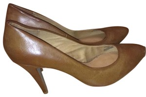 Trafaluc Brown Pumps