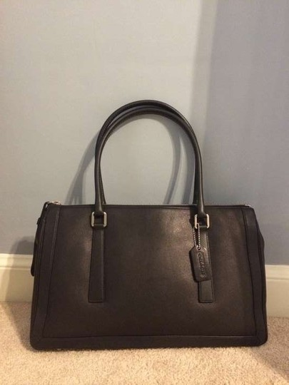 Preload https://item5.tradesy.com/images/coach-black-leather-satchel-156014-0-0.jpg?width=440&height=440
