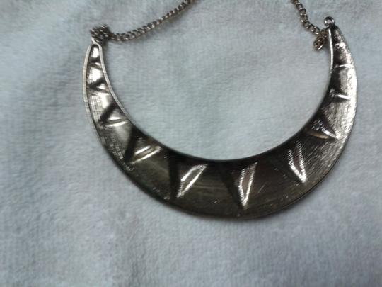 Other Triangles statement necklace Image 5