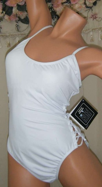 Shape FX SWIMSUIT 10 NWT CONTROL CORSET LIKE LACING AT SIDE BY SHAPE FX color WHITE