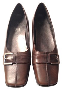 White Mountain Leather Brown Flats