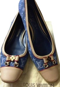 Louis Vuitton Blue Pumps