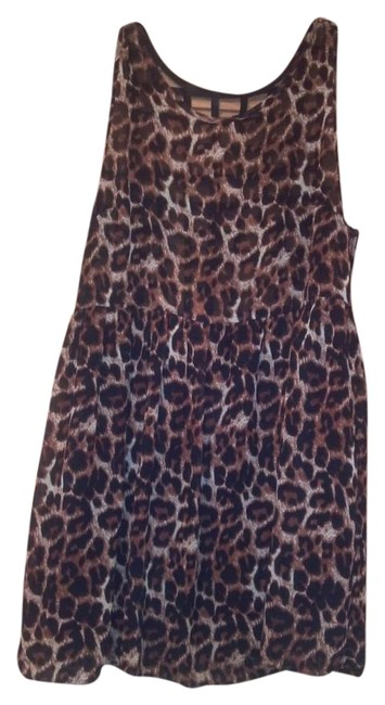 Item - Leopard/Beige Print Mid-length Short Casual Dress Size 6 (S)