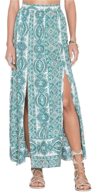 Preload https://img-static.tradesy.com/item/15606511/paisley-print-launch-skirt-size-0-xs-25-0-1-650-650.jpg