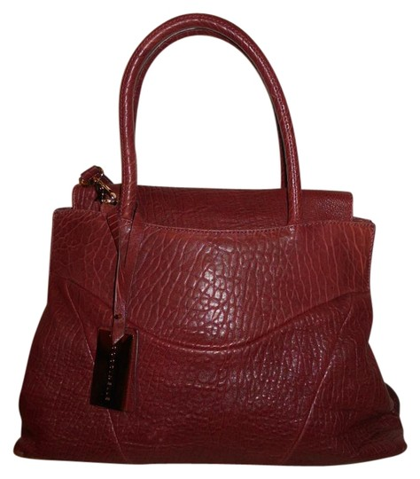 Preload https://img-static.tradesy.com/item/15606994/coccinelle-convertable-shoulder-burgundy-leather-cross-body-bag-0-1-540-540.jpg