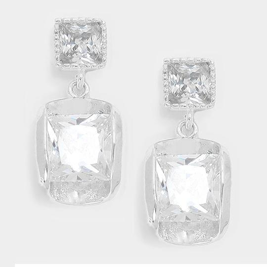 Preload https://img-static.tradesy.com/item/15609907/clear-silver-14-k-white-gold-plated-cz-crystal-earrings-0-0-540-540.jpg