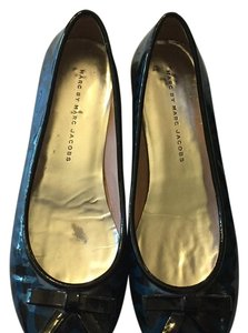 Marc by Marc Jacobs Black and blue Flats