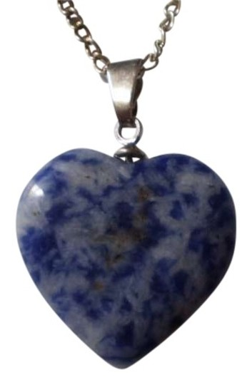 Preload https://item3.tradesy.com/images/blue-marble-effect-heart-necklace-156107-0-0.jpg?width=440&height=440