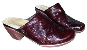Naot Patent Leather burgundy Mules