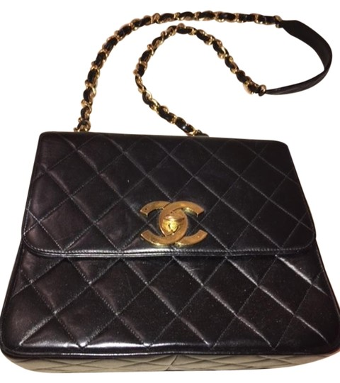 Preload https://img-static.tradesy.com/item/15615670/chanel-quilted-lambskin-kelly-black-leather-shoulder-bag-0-1-540-540.jpg