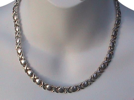 Vintage Italy Sterling Silver Hug Kiss XO Ladies Necklace
