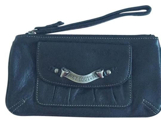 Preload https://img-static.tradesy.com/item/15621433/juicy-couture-black-leather-wristlet-0-1-540-540.jpg