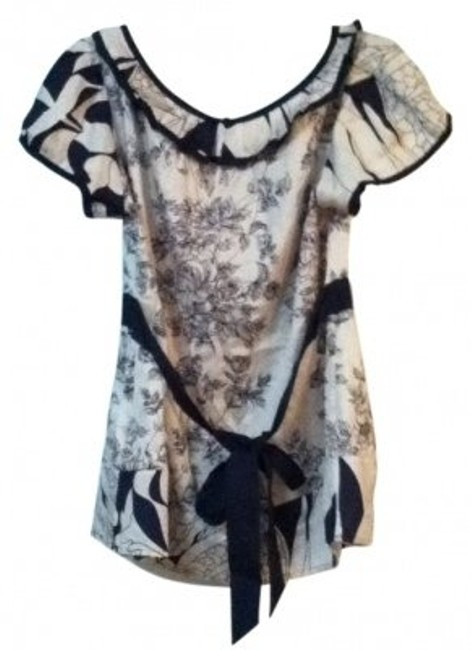 Preload https://item5.tradesy.com/images/yoana-baraschi-navy-and-white-floral-tie-back-blouse-size-10-m-15624-0-0.jpg?width=400&height=650