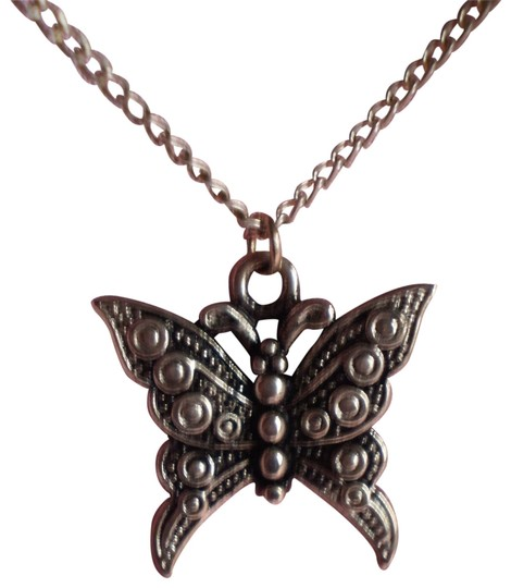 Preload https://item4.tradesy.com/images/vintage-butterfly-necklace-156268-0-1.jpg?width=440&height=440