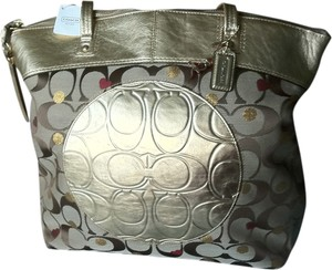 93a6518bf4 Coach Jacquard Metallic Leather Red Hearts Circle Tote in Khaki Brown Gold